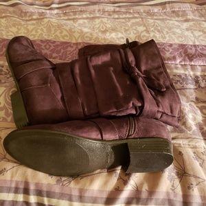 NEW ITEM! Women's Wide width faux suede boots